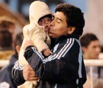 Diego Maradona: Si mi nieto juega en Independiente, me la corto'