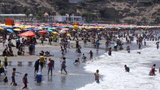 Chorrillos: cientos de limeños abarrotaron la playa Agua Dulce en el inicio del 2014