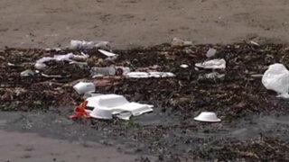 Celebraciones de Año Nuevo dejaron playas de la Costa Verde llenas de basura