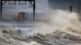 Decretan más de cien alertas por lluvias e inundaciones en el Reino Unido