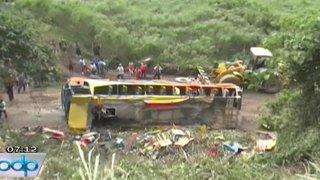 Tres muertos dejó despiste de bus interprovincial en La Convención