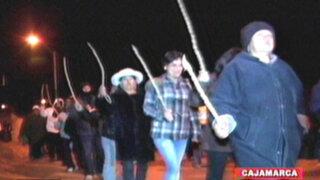 Cajamarca: pobladores azotan a trabajadoras sexuales de un night club