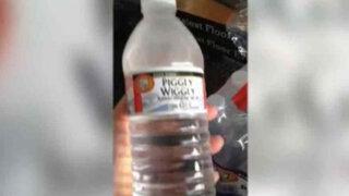 Asombroso video: botella de agua se congela en segundos por frío polar de EEUU
