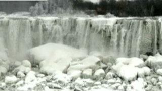 EEUU: cataratas del Niágara se congelaron por ola de frío polar