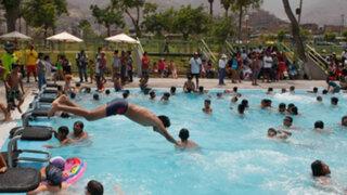 Piscinas y parques acuáticos son preferidos por limeños para aplacar el calor