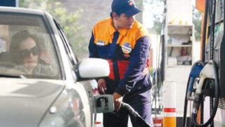 Noticias de las 6: Sepa qué establecimientos venden los combustibles a menor precio