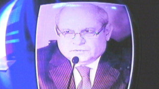 Exigen salida de ministro Cateriano tras peritaje errado al audio 'luz verde'