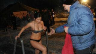 FOTOS: Epifanía, el bautismo ruso en aguas 20 grados bajo cero