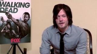 The Walking Dead: gran susto se llevó actor Norman Reedus con una broma zombi