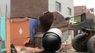 San Martín de Porres: madre e hija quedan en la calle tras demolición de su casa