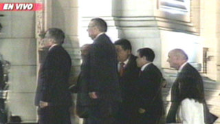 Delegación peruana llegó de La Haya para entregar informe a Humala