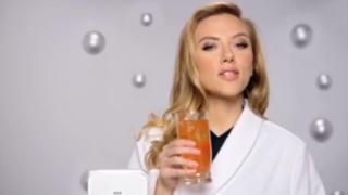 VIDEO: censuran polémico comercial de Scarlett Johansson para el Super Bowl