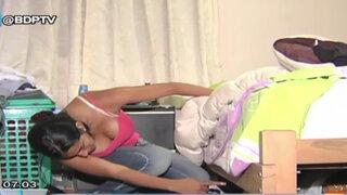 Callao: Mujer descubre a un sujeto desnudo bajo su cama