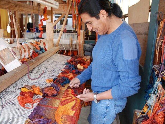 Los tapices de Máximo Laura y su pasión por el color