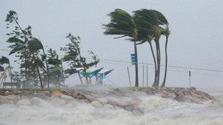 Internacionales: alerta en Australia por llegada del ciclón Dylan