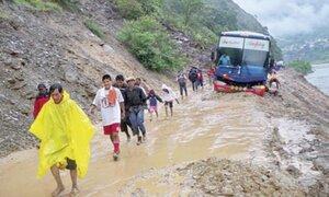 Cusco: derrumbes en carretera dejan aislado al distrito de Ocobamba