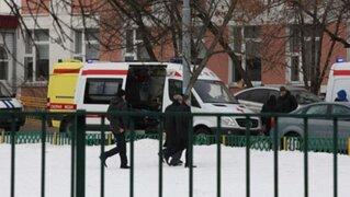 Estudiante armado con un fusil mata a dos personas en una escuela de Rusia