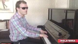 Inglaterra: joven autista y ciego se convierte en todo un genio del piano