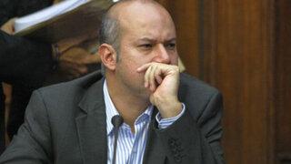 Critican que comisión Óscar López Meneses haya contratado 17 asesores
