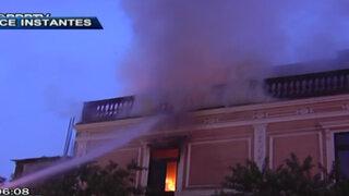 Cortocircuito habría provocado incendio registrado esta mañana en Paseo Colón