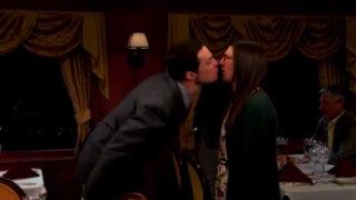 The Big Bang Theory: Sheldon Cooper besó a Amy por San Valentín