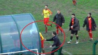 VIDEO: árbitro expulsó a jugador que se volvió 'loco' celebrando gol