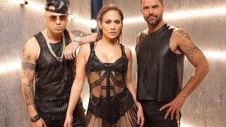 Cantantes Ricky Martin y Jennifer López  juntos, muy sexys  y en cueros