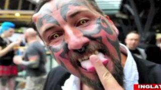 Este inglés gastó 40,000 dólares para verse como el diablo