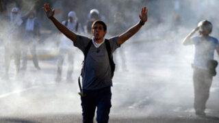 Noticias de las 7: dos muertos y 23 heridos por ataques paramilitares en Venezuela