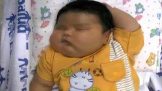 Iquitos: 'Súper bebé' de casi siete kilos asombra a médicos