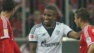 Técnico de Farfán lo criticó por reirse tras goleada recibida contra el Bayern