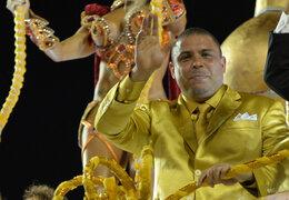 VIDEO: Ronaldo fue homenajeado en espectacular antesala del Carnaval de Río