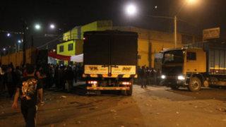 Más de 40 camiones retiraron mercadería del ex mercado mayorista de La Parada