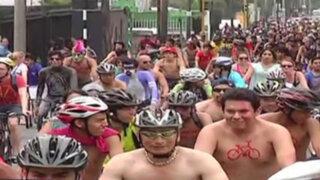 IX Ciclonudista alborotó calles de Lima con su recorrido