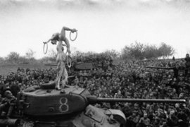 FOTOS: importantes sucesos históricos resumidos en una sola imagen