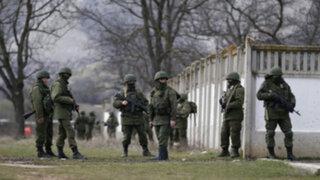 Ucrania: fuerzas prorrusas tomaron bases militares en Crimea