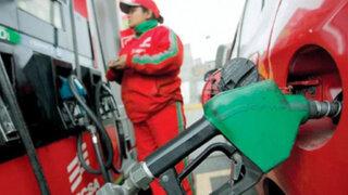 Precios de combustibles siguen bajando en grifos de Lima