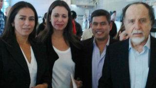 Congresistas peruanos llegaron a Lima tras viaje a Caracas junto a Corina Machado