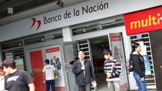 Trabajadores continúan protesta por supuesta privatización del Banco de la Nación