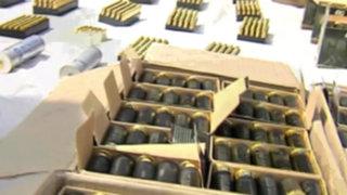 Detienen a banda de invasores con gran arsenal de armas en Punta Hermosa