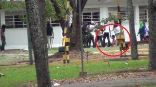 Venezuela: así desnudaron y golpearon a estudiante opositor al Gobierno