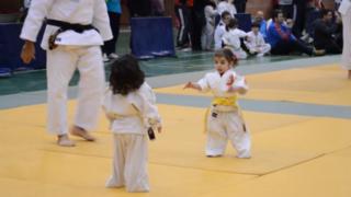 Estas dos niñas protagonizan la pelea de judo más tierna de la historia