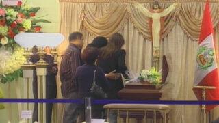 Los restos de don Óscar Avilés son velados en el Museo de la Nación