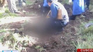 Cusco: Mujer habría enterrado en el patio de su casa a esposo tras asesinarlo