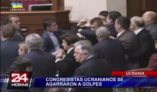 VIDEO: debate en Congreso de Ucrania terminó en batalla campal