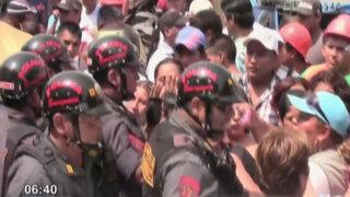 Vecinos del Cerro San Cosme se enfrentaron a policía por detención de dirigente