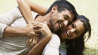 Estudio revela que las parejas más felices tienden a subir de peso