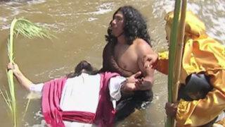 'Cristo Cholo' escenificó bautizo de Jesús en el río Rímac