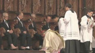 Cardenal Juan Luis Cipriani lavó pies a 12 ancianos en Catedral de Lima