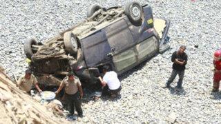 Seis personas fallecen tras caída de vehículo a río Nupe en Huánuco